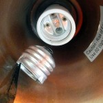 4 Ways to Remove a Broken Light Bulb