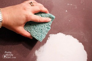 Sponging-off-spackle