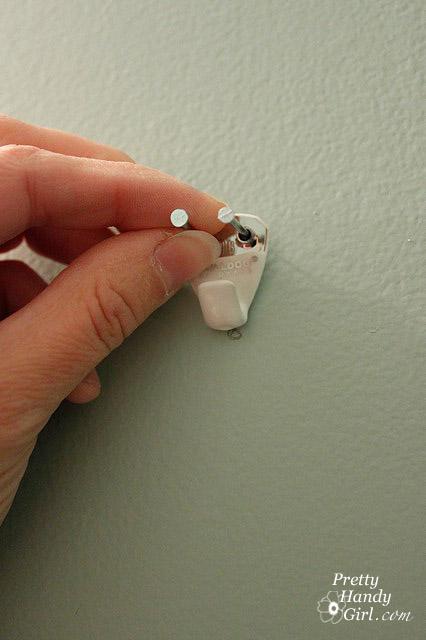 insert-nails-into-hanger