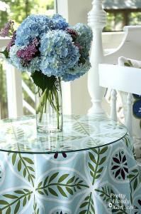 Close_hydrangeas_vase