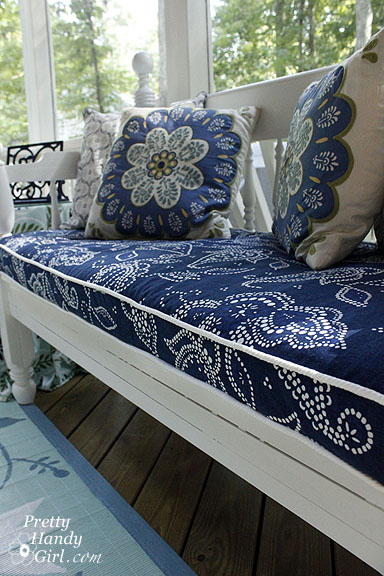 Piped Bench Cushion–{Pretty Handy Girl}