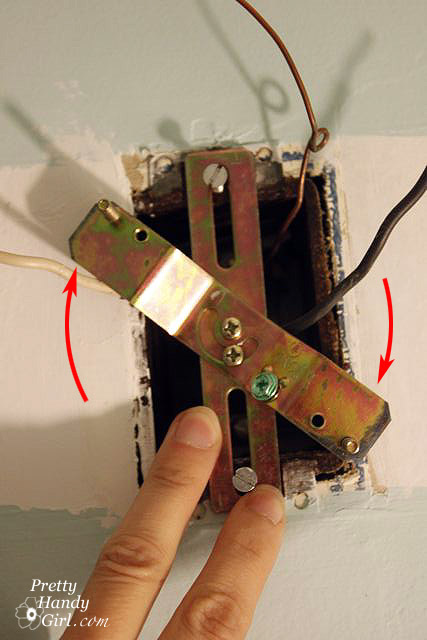How To Install Vanity Light Junction Box : Junction Box Wrong Shape/size For Light - Electrical - DIY Chatroom Home Improvement Forum