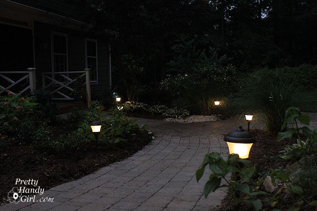 Install outdoor lighting for gardens : How to install low voltage landscape lights pretty handy