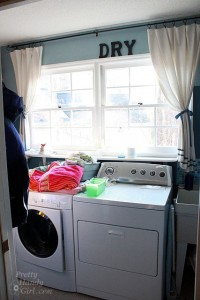 peek_around_laundry_room