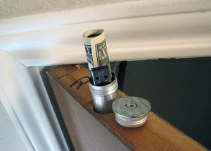 cigar_canister_in_door_top