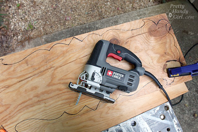 how to cut wood straight with a jigsaw