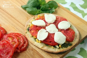 assemble_tomato_corn_pizza