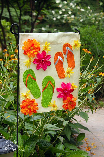 Summer Garden Flag from a Dollar Store Placemat Pretty Handy Girl