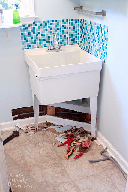 Black Mold In Bathroom Pipes water leaks, polybutylene pipes, and mold - what to do - pretty