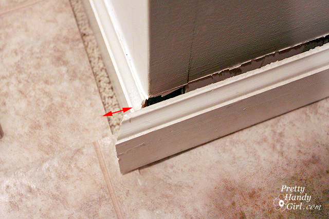 baseboard trim how to remove and how to install pretty handy girl. Black Bedroom Furniture Sets. Home Design Ideas