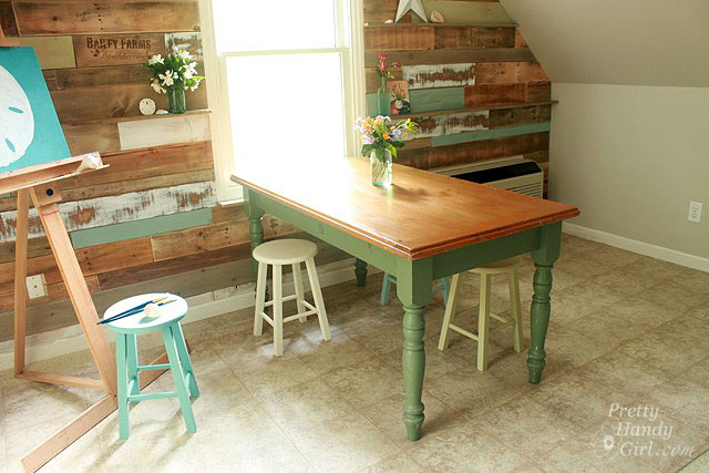 Wooden Spindel Chair For Kitchen