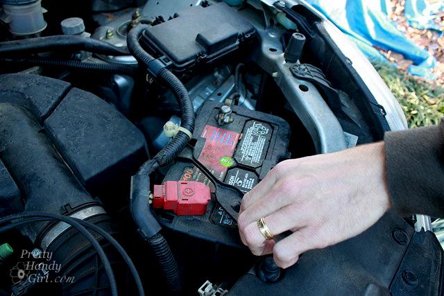 slide_mounting_bracket_car_battery