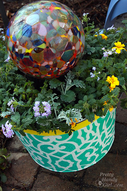 glass_globe_in_planter