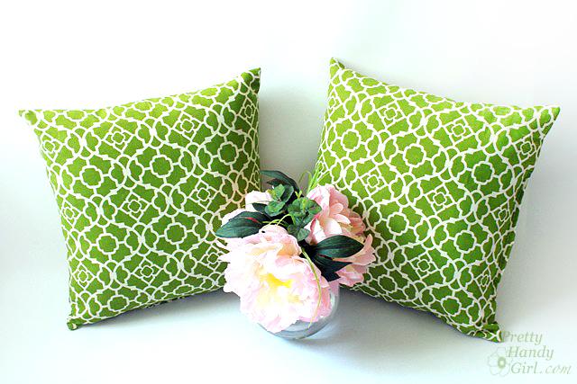 green_lattice_morrocan_outdoor_pillows