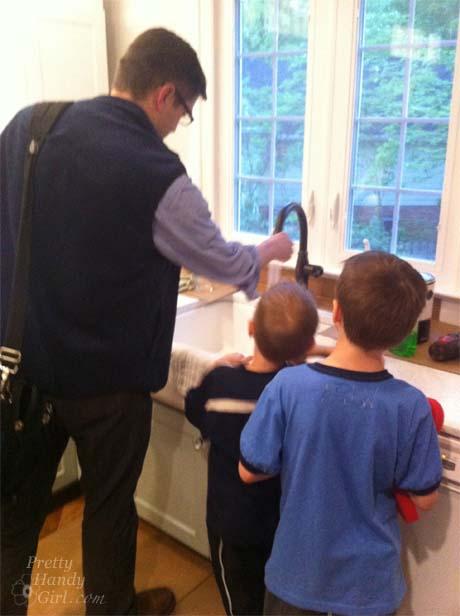 boys_looking_at_sink