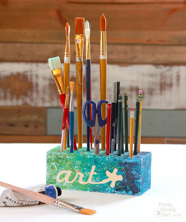 art_brush_holder