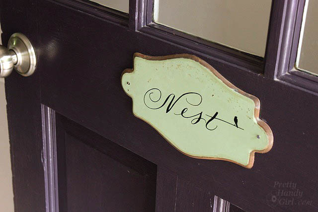 nest_door_sign