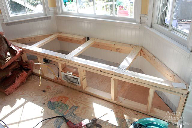Building a window seat with storage in a bay window for Best material to build a house