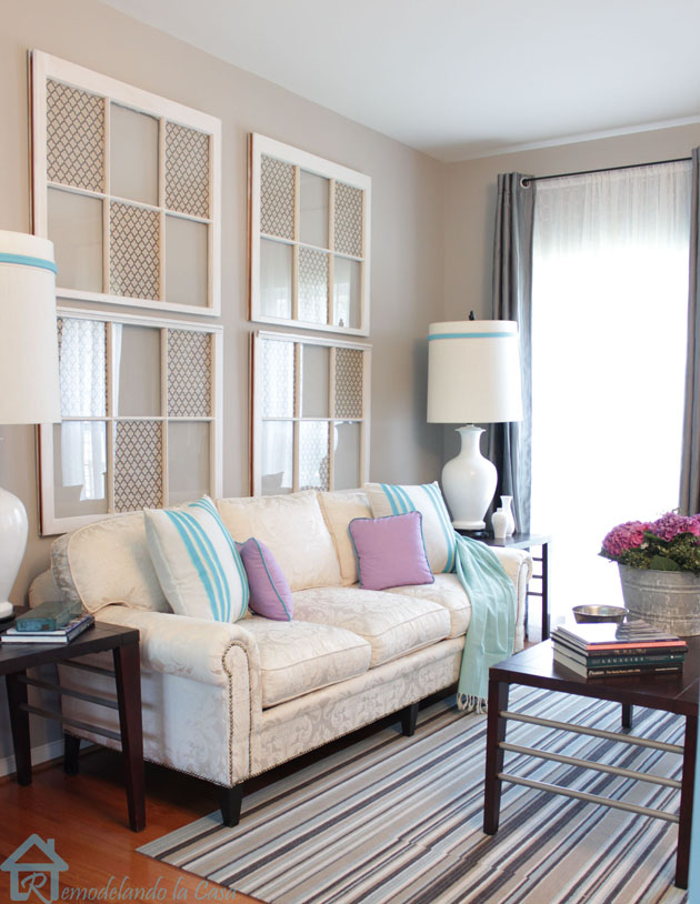 living room with sofa with nailhead trim4