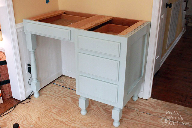 painted_kitchen_desk
