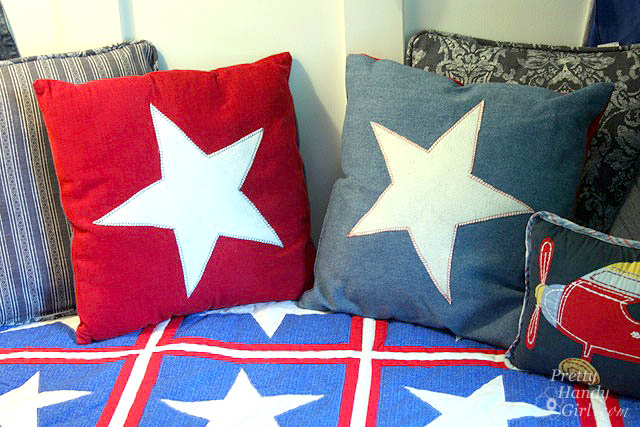 star_pillows_on_quilt