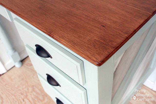 How to Turn an Old Table Top into a Beautiful Desk Top