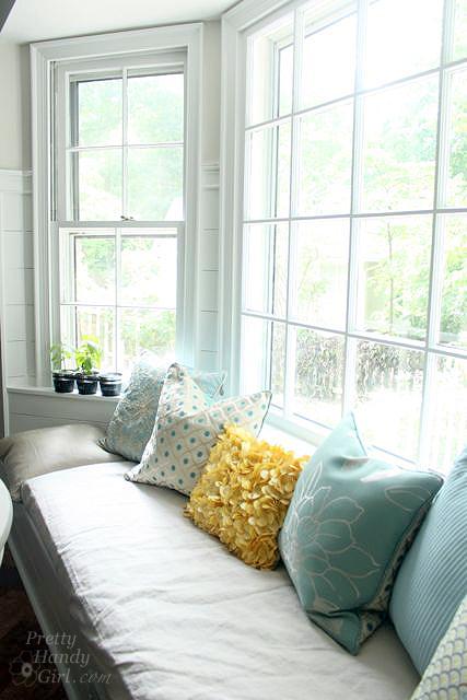 vertical window seat pillows