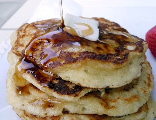 greek-yogurt-pancakes