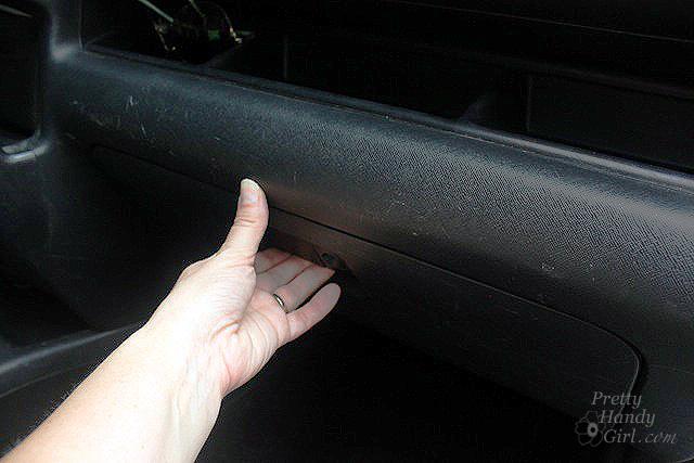 open_glove_compartment