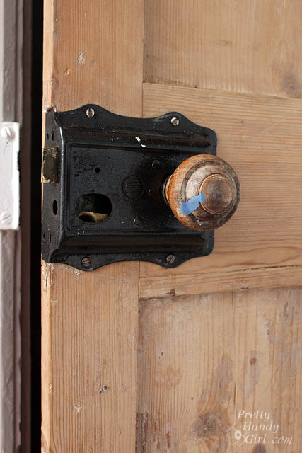wood_doorknob