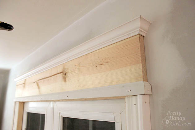 How to install trim and casing moulding on a casement for Interior window crossheads