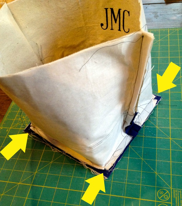 canvas tote base corners