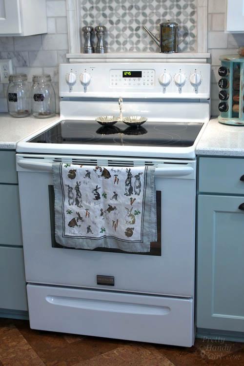 how to clean inside oven door