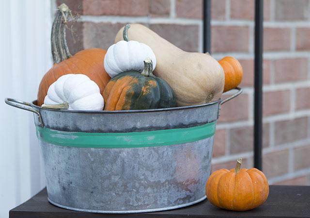 Faux Aged Galvanized Bucket