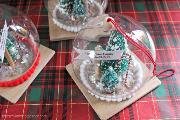 clever diy holiday decor ideas - snowglobe ornament