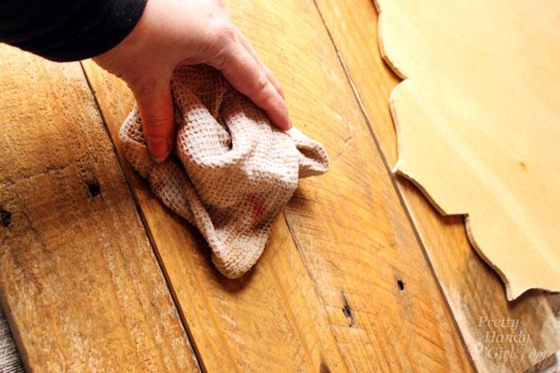 Rustic Pallet Serving Tray | Pretty Handy Girl