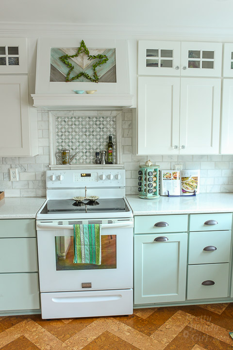 Holiday Home Tour - Kitchen | Pretty Handy Girl