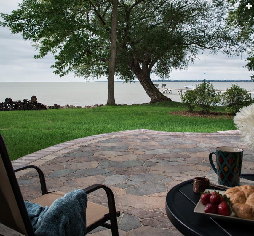 arbel-patio-bordered