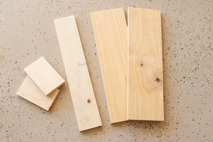 cut-wood-pieces