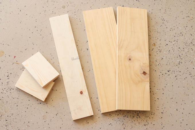 cut-wood-pieces
