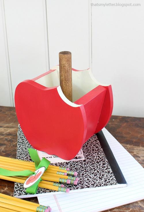 apple pencil holder 3