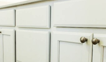 knobs-on-cabinets-feature