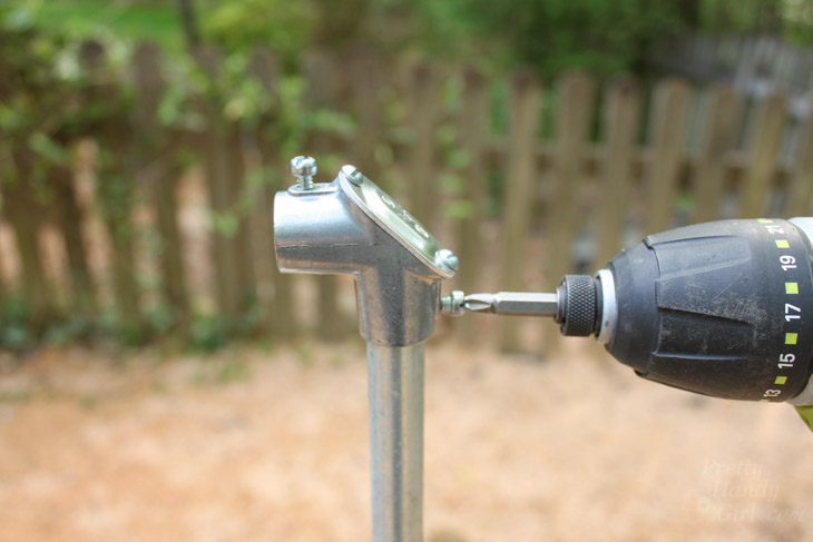 attach-angled-conduit-connector