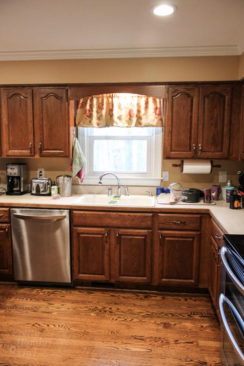 kitchen-sink-area-before
