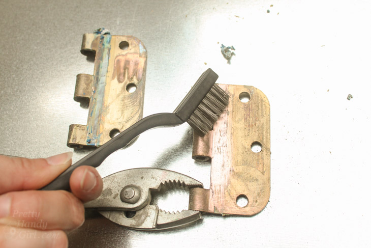4 Ways To Remove Paint From Metal Hinges Amp Other Door