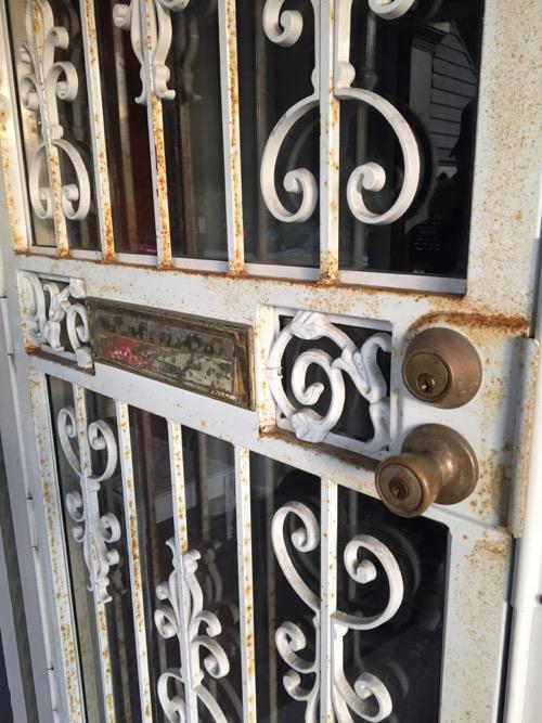 How to Repaint a Metal Storm Door