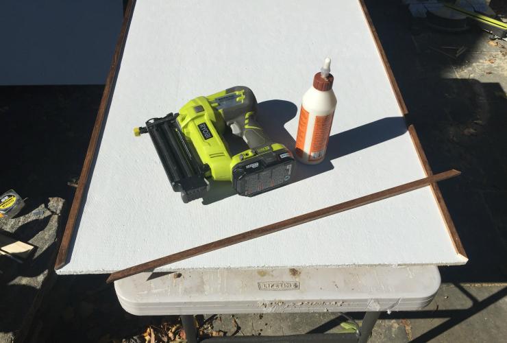 framed-pinboard-flat-moulding