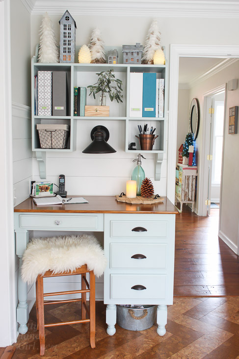 kitchen-desk-hutch-holiday-decor