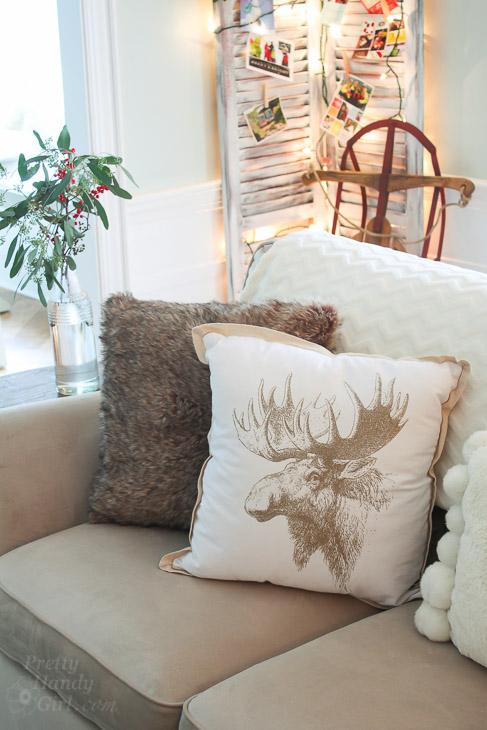 moose-drawing-pillow