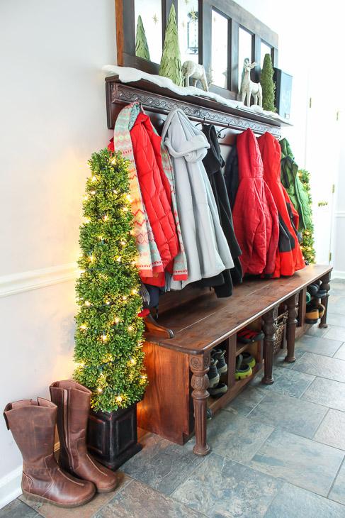 side-view-mudroom-bench-shoe-storage-coat-rack